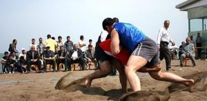 قضاوت داور مهابادی در مسابقات قهرمانی کشتی ساحلی کشور