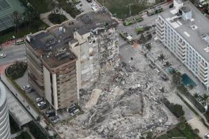 افزایش شمار قربانیان ریزش ساختمان در فلوریدای آمریکا