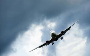 بمبگذاری در هواپیمای مسافربری افغانستان خنثی شد