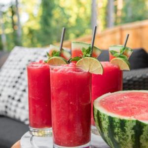 «اسموتی هندوانه» یک نوشیدنی خنک تابستانی