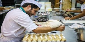 کشف ۲.۵ تن ضایعات شیرینی فاسد از کارگاههای شیرینی پزی در مهاباد