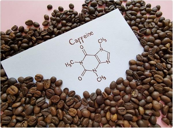 کافئین؛ از چای و قهوه تا راهکاری برای سلامت پوست