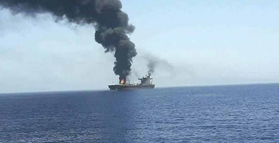 گزارش نیویورکتایمز از حمله به کشتی اسرائیلی با قایقهای بدون سرنشین