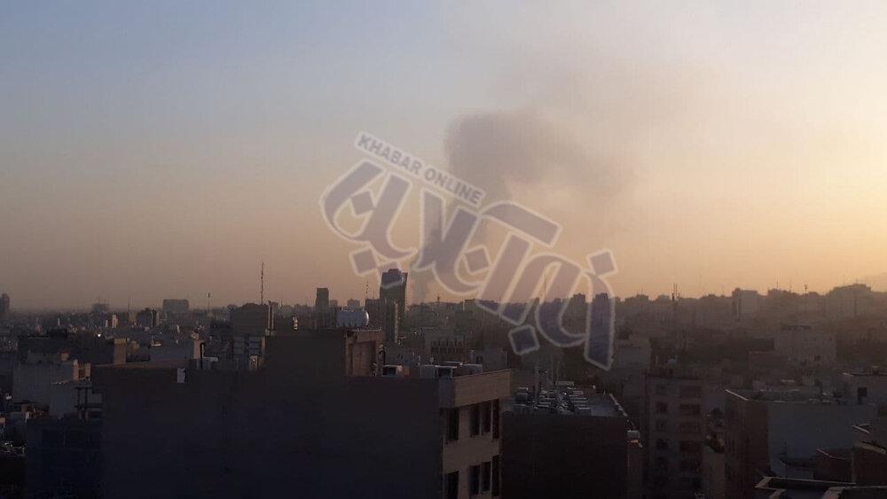 دود غلیظ در آسمان تهران؛ آتشسوزی جدید در غرب پایتخت