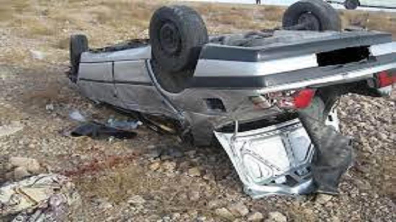 ۲ حادثه واژگونی خودروها در جادههای استان همدان
