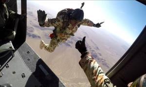 خودکفایی تیپ ۵۵ هوابرد ارتش در تولید چترهای اتوماتیک و سقوط آزاد