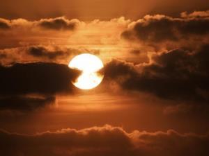 قرار نگرفتن در معرض نور خورشید ممکن است خطر سرطان روده بزرگ را افزایش دهد