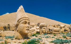 کوه نمرود، عجیبترین کوه در ترکیه!