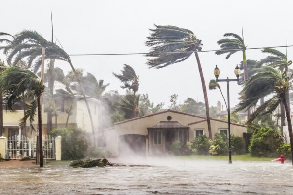 بایدن در فلوریدا حالت فوق العاده اعلام کرد