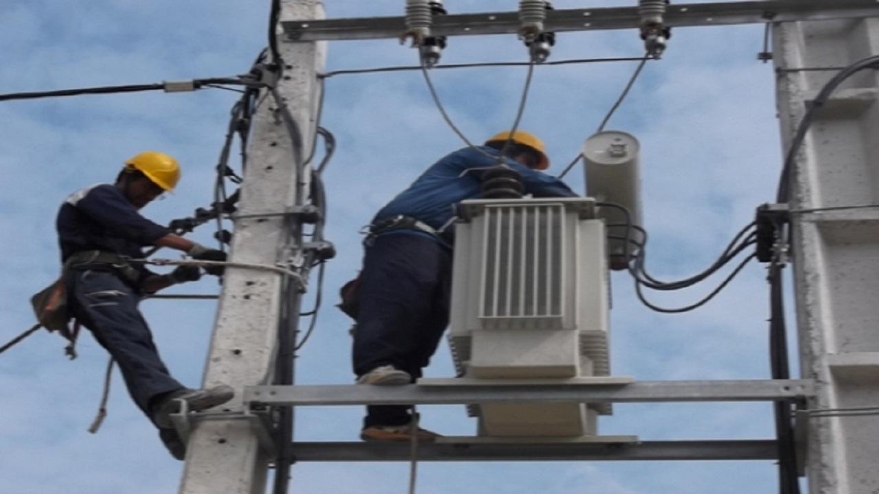 نبود ایستگاه برق، عامل خاموشیها در چاروسا و دیشموک