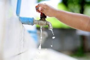 قطع آب برخی مناطق روستایی تویسرکان در روزهای بیبرقی