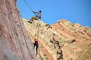 عینالی تبریز تفرجگاه کوهستانی صخره نوردان