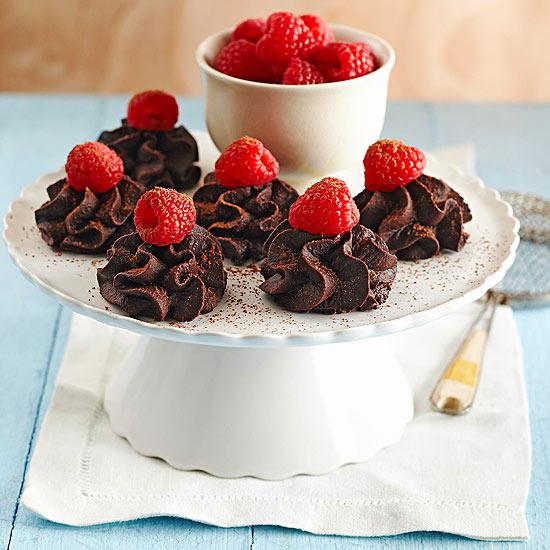 ترافل شکلاتي تمشک يک دسر خوشمزه و راحت!