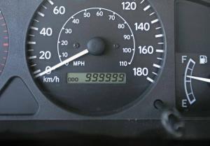 چگونگی تشخیص کیلومتر کارکرد واقعی خودرو