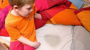 چگونه با شب ادراری کودکان برخورد کنیم؟