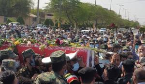 تشییع پیکر مطهر شهید مدافع مردم در بندر ماهشهر