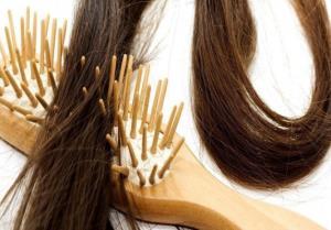 با این 17 ترفند از شر گره خوردن موها خلاص شوید
