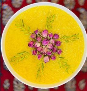 روش تهیه «شله زرد» دسر محبوب ایرانی برای تمام فصول