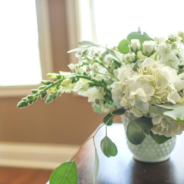 ۸ روش براي تازه نگه داشتن گل در خانه