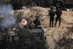 درگیری های شدید میان فلسطینیان و صهیونیستها؛ زخمی شدن ۳۲۰ فلسطینی