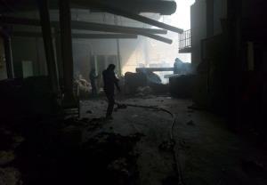 حریق گسترده در کارخانه پنبه گناباد