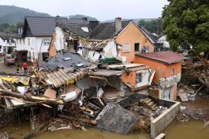 آلمان زیر بار سیلاب های سنگین کمر خم کرد
