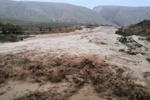 وقوع سیلاب وحشتناک در زرین دشت