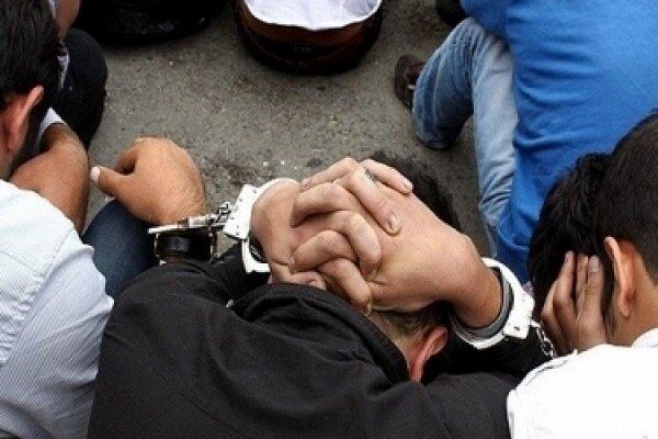 دستبند پليس نظرآباد بر دستان اراذل و اوباش