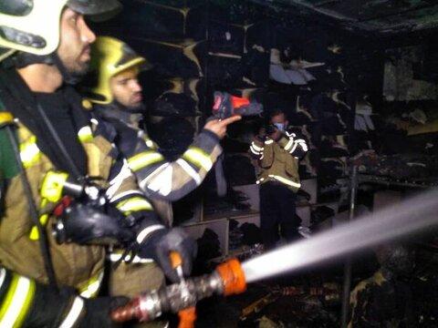 حريق در يک فروشگاه مواد غذايي اصفهان حادثهساز شد