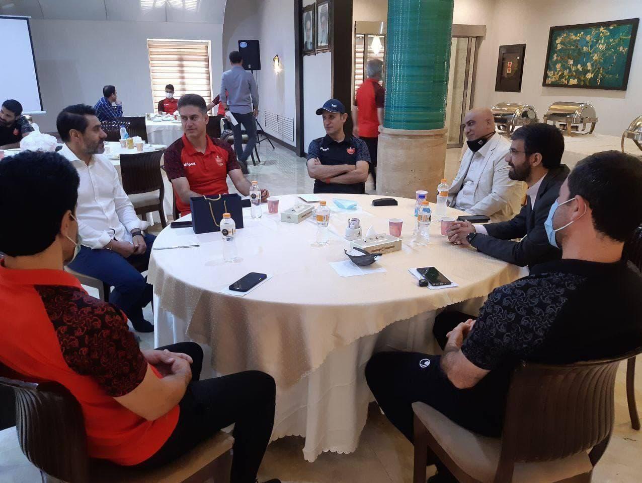 جلسه سمیعی و صدری با گلمحمدی در اردوی پرسپولیس
