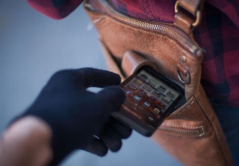 سرقت تلفن همراه توسط نوجوانان ۱۳ ساله