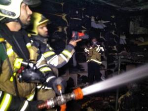 حریق در یک فروشگاه مواد غذایی اصفهان حادثهساز شد