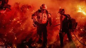 گذر یک آتشنشان از دل آتش