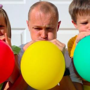 آموزش 3 مدل سرگرمی خانوادگی با بادکنک در خانه