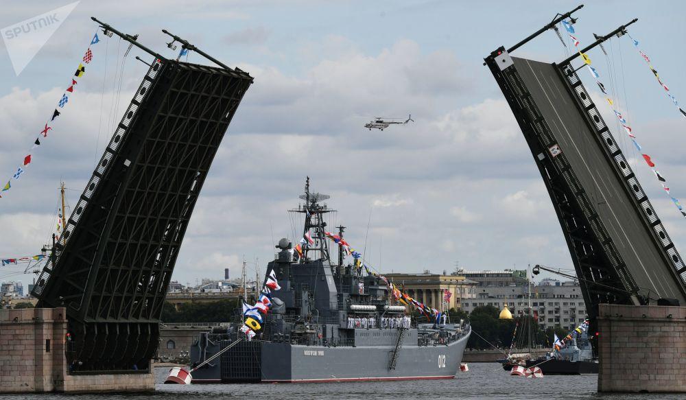 جشن روز نیروی دریایی در سنت پترزبورگ
