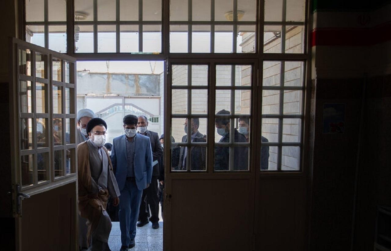 ضربوشتم رئيس زندان اراک و توضيحات مقام قضايي