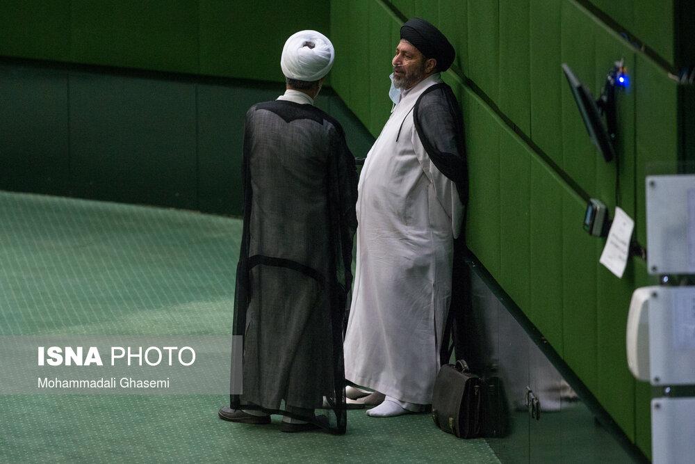 عکس/ حاشیه های صحن علنی مجلس