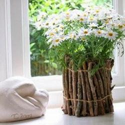 تزئین خلاقانه گلدان به سبک طبیعت