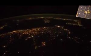 فیلمی زیبا از آسمان شب کره زمین