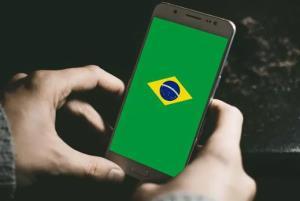 ملتی که بیشتر از دیگران از گوشی هوشمند استفاده میکنند