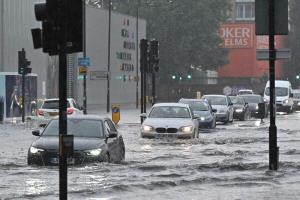 لندن در سیلاب فرو رفت