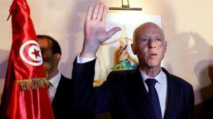 رئیسجمهور تونس حکم برکناری نخستوزیر و دو وزیر دولتش را صادر کرد