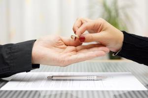 دخالت خانواده ها دلیل طلاق!