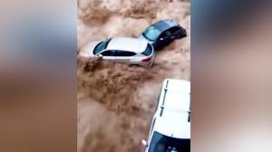 غلت خوردن خودروها در سیلاب شدید بلژیک!