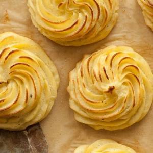 دستور ویژه «کاپ سیب زمینی پنیری»؛ جدید و خوشمزه