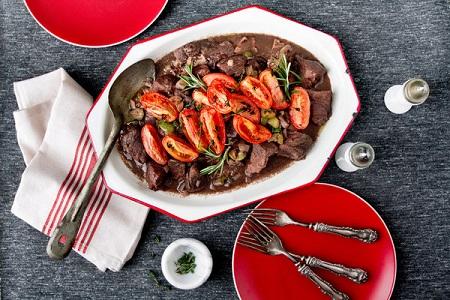 طرز تهيه خوراک راگو با گوشت؛ غذاي فرانسوي لاکچري