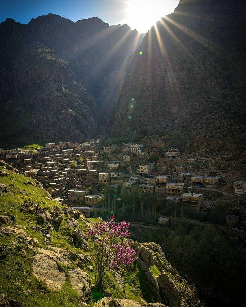 روستای زیبای دیوزناو در استان کردستان