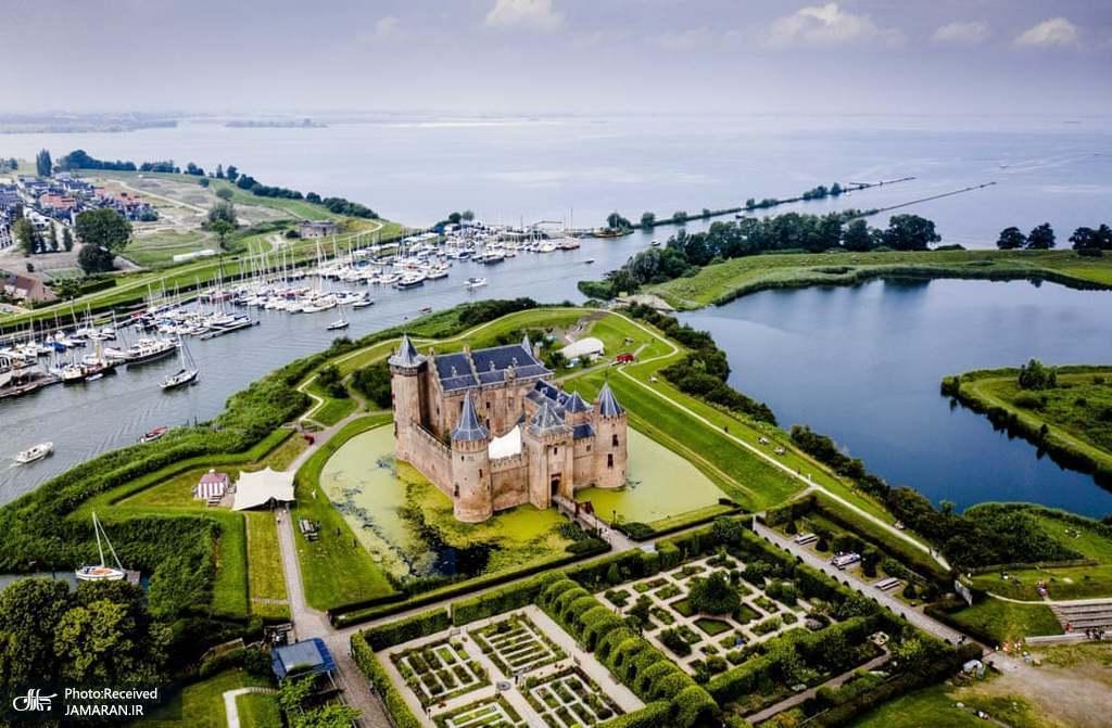 نمایی از قلعه مویدن واقع در مایدن هلند