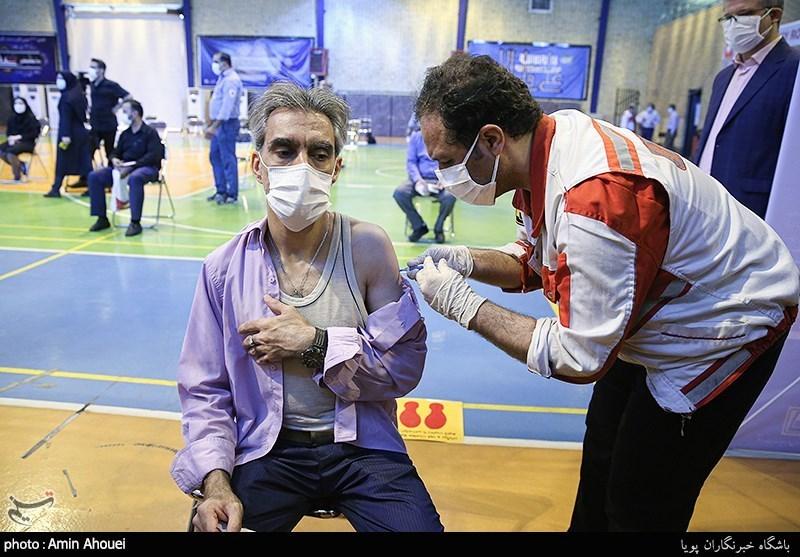 عکس/ اجرای طرح واکسیناسیون کارکنان مترو