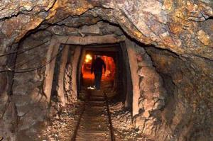 وزارت صمت: تحریمها برای بخش معدن بسیار ایدهآل بود